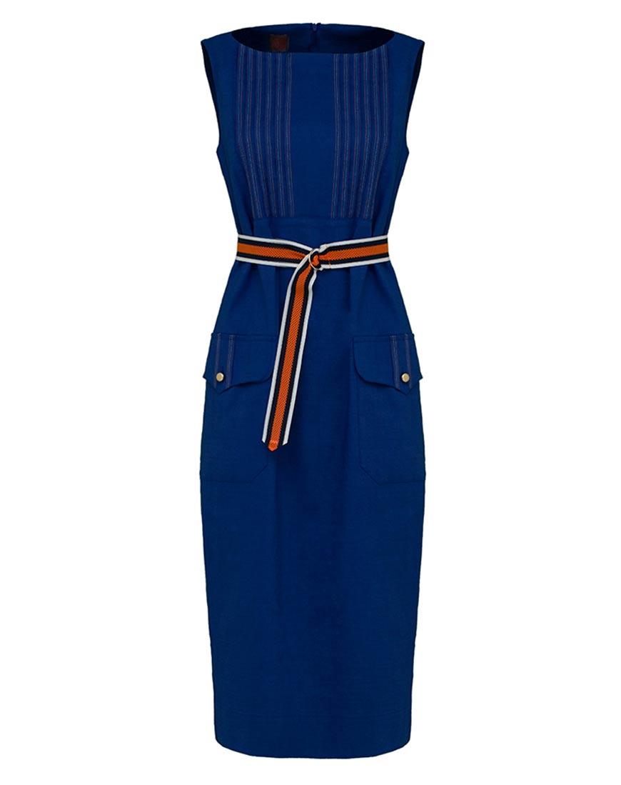Льняное платье приталенного силуэта
