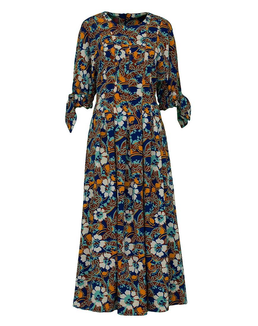 Платье-трапеция приталенное