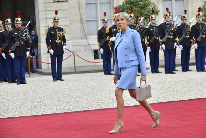brigitte-macron-emmanuel-macron-wife-inauguration-photos-20
