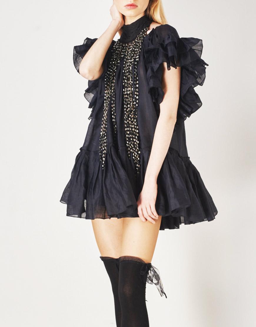 Платье из батиста с воланами
