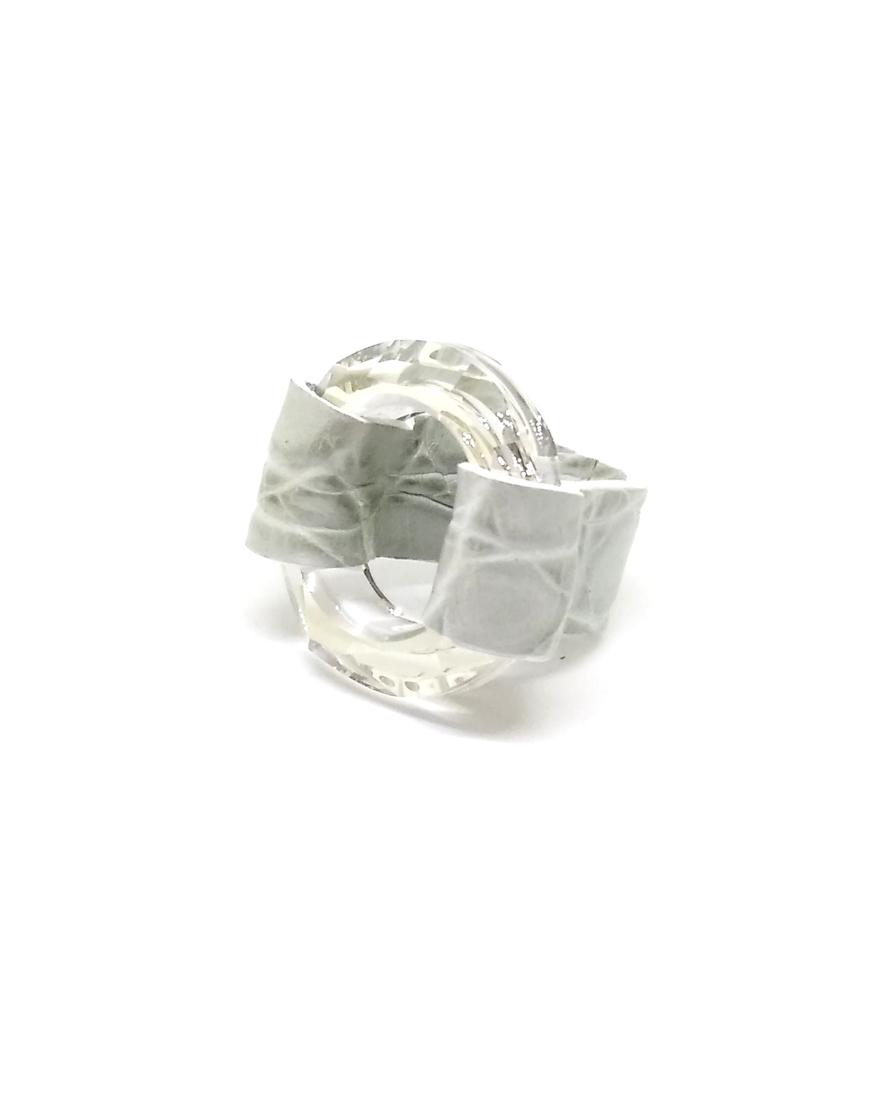 Кольцо с кристаллом Swarovski из кожи крокодила