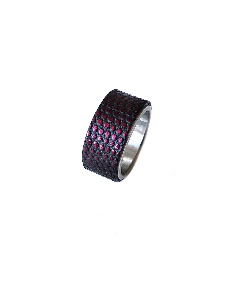 Стальное кольцо STEEL с кожей варана