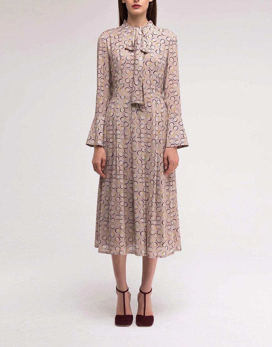 Платье с расклёшенным манжетом