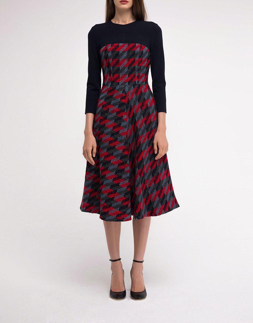 Платье с фактурной юбкой в клетку