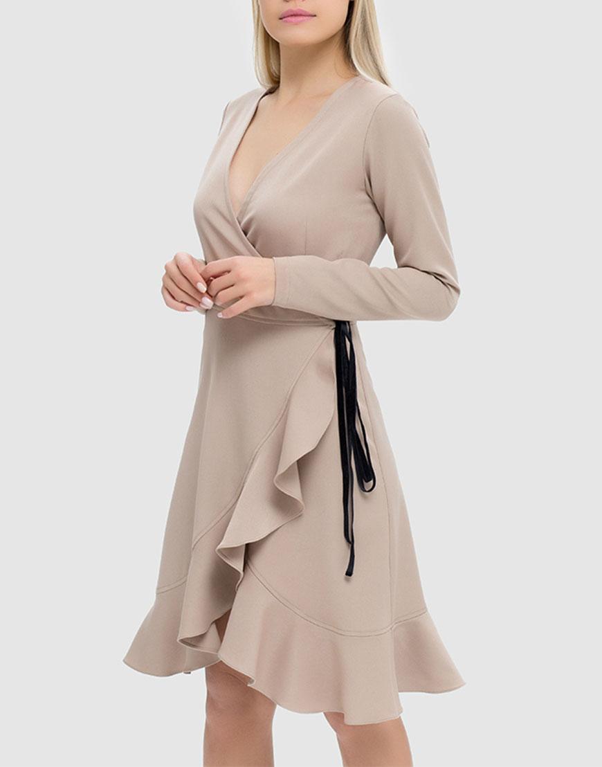 Платье на запахе с V-образным вырезом и воланом