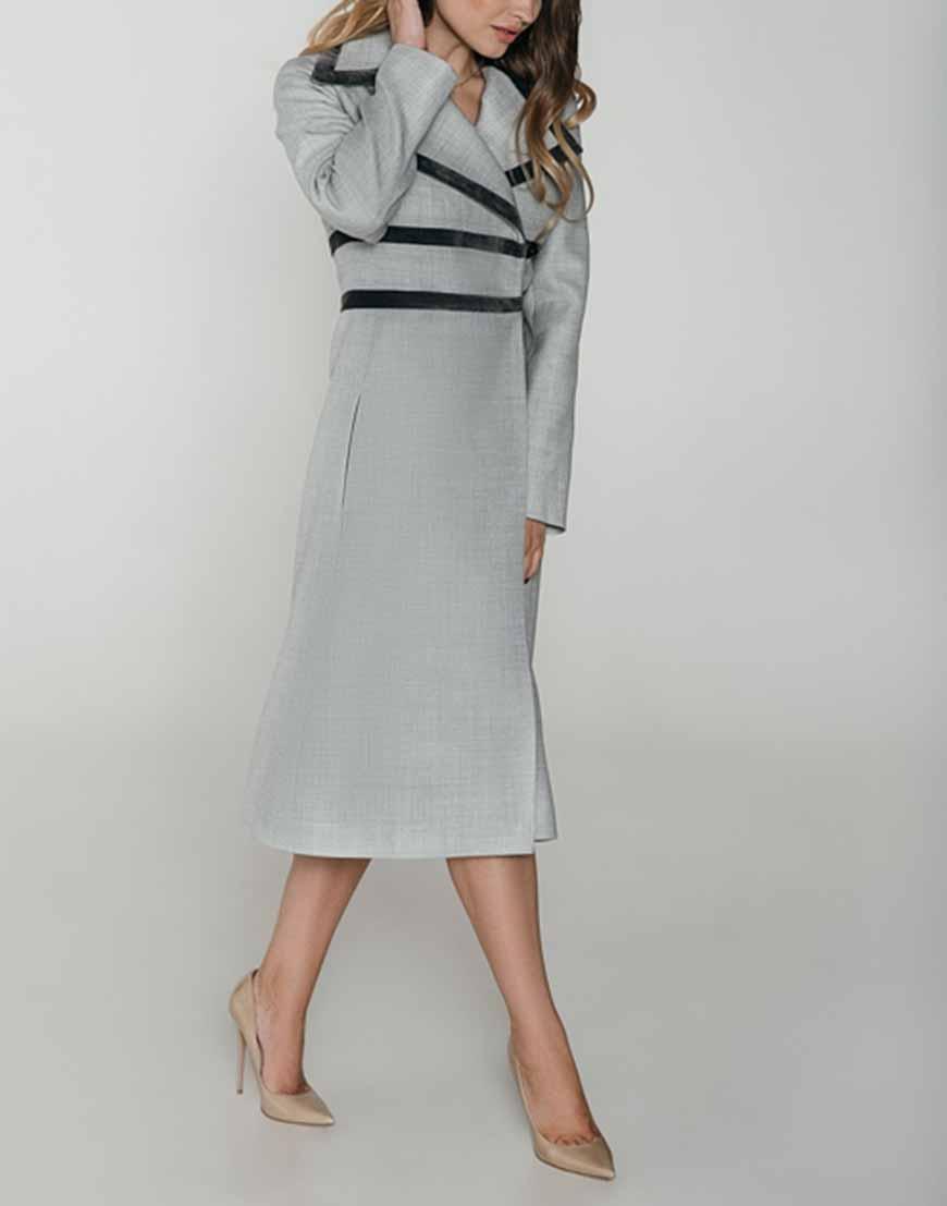 Купить Приталенное пальто с отделкой из бархата