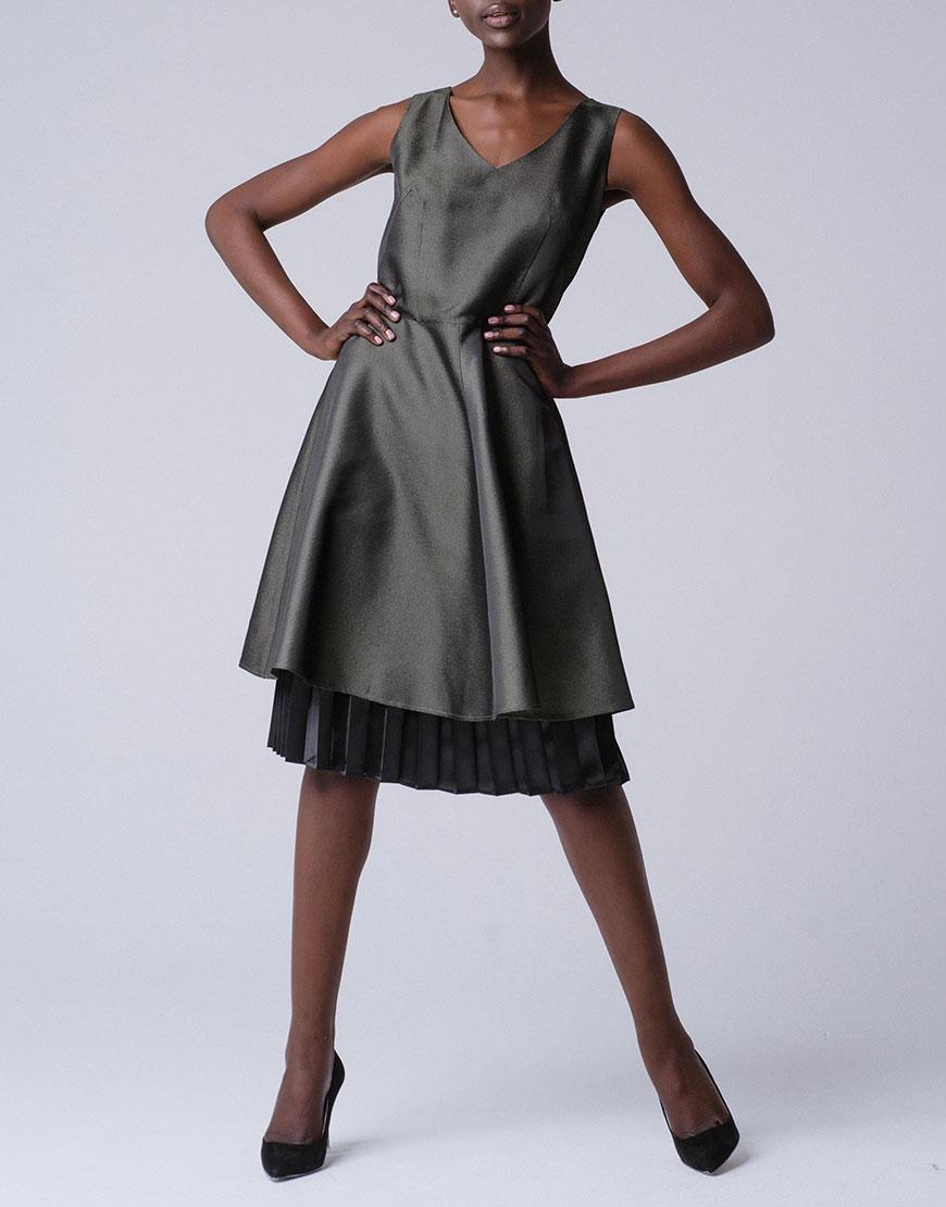Платье А-силуэта с оборкой плиссе