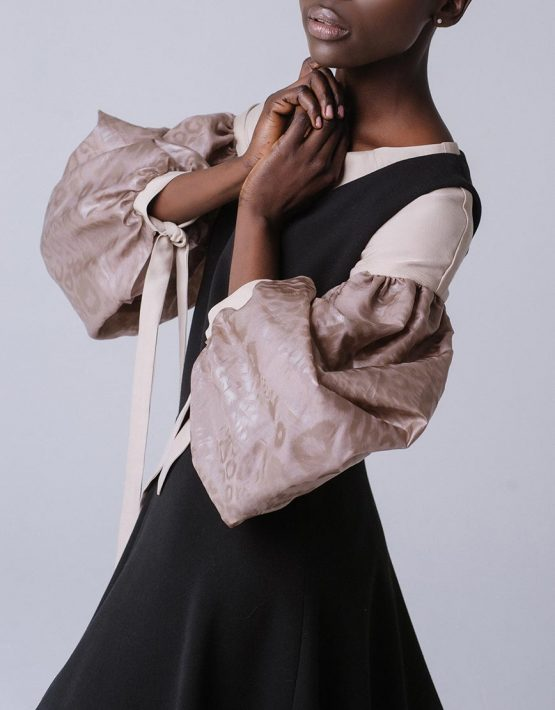 Блуза свободного кроя с широкими рукавами MNTK_MTBLS191002, фото 1 - в интеренет магазине KAPSULA