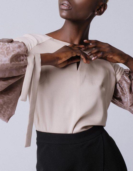 Блуза свободного кроя с широкими рукавами MNTK_MTBLS191002, фото 2 - в интеренет магазине KAPSULA