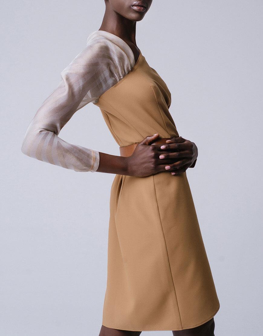 Платье на запахе с рукавом из органзы
