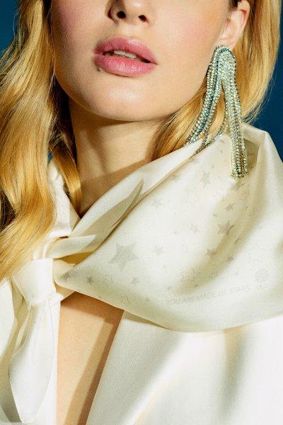 Шелковый платок со звездами 65х65 см OLZ_KS_SS153-1, фото 1 - в интеренет магазине KAPSULA