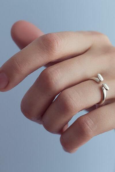 Кольцо OMEGA из серебра YSB_K-766, фото 1 - в интеренет магазине KAPSULA