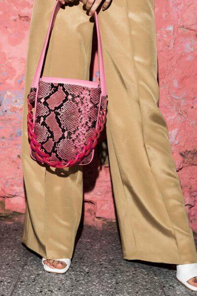 Кожаная сумка с пластиковой цепью SAYYA_SS1056, фото 4 - в интеренет магазине KAPSULA