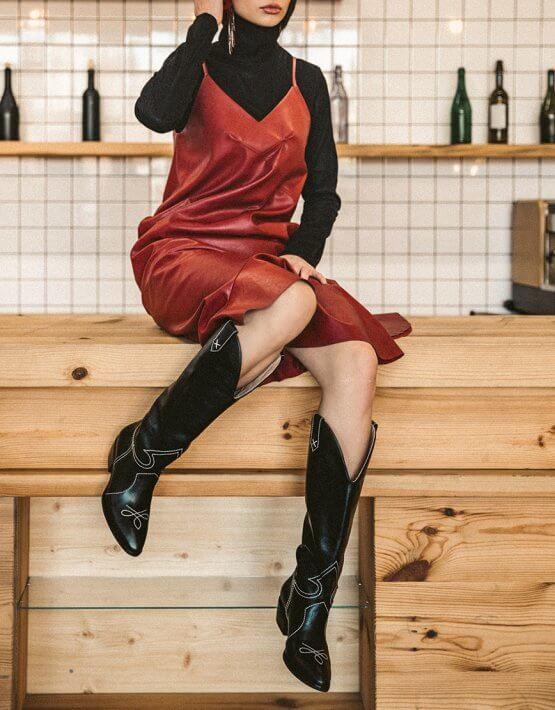 Сарафан из эко-кожи SAYYA_FW793-2_outlet, фото 4 - в интеренет магазине KAPSULA