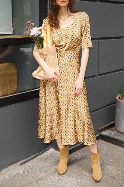 Платье горчичное приталенное VONA_SS-20-46, фото 1 - в интеренет магазине KAPSULA