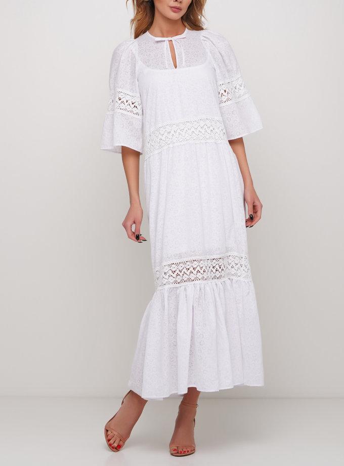 Длинное белое платье с декором из кружева AY_2986, фото 1 - в интернет магазине KAPSULA