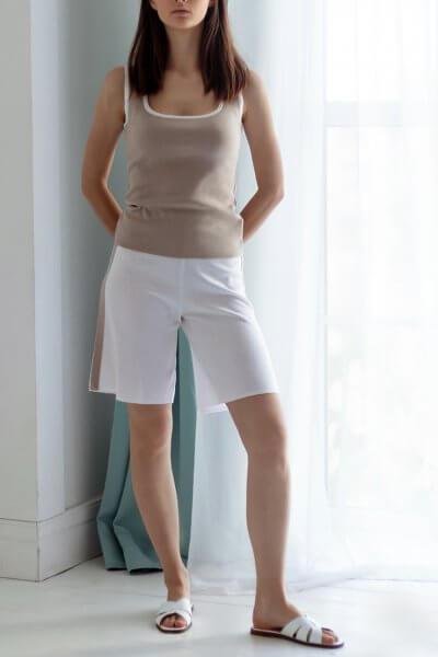 Трикотажные шорты с кантом NBL_20-SHKBEGW-beige, фото 4 - в интеренет магазине KAPSULA