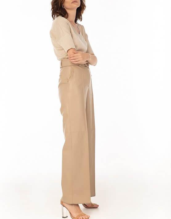 Широкие брюки из эко-кожи Beige WNDR_fw2021_wtbez_08, фото 5 - в интеренет магазине KAPSULA
