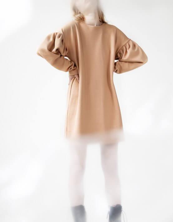 Платье Easy с объемными рукавами SNDR_FWE6_beige, фото 3 - в интеренет магазине KAPSULA
