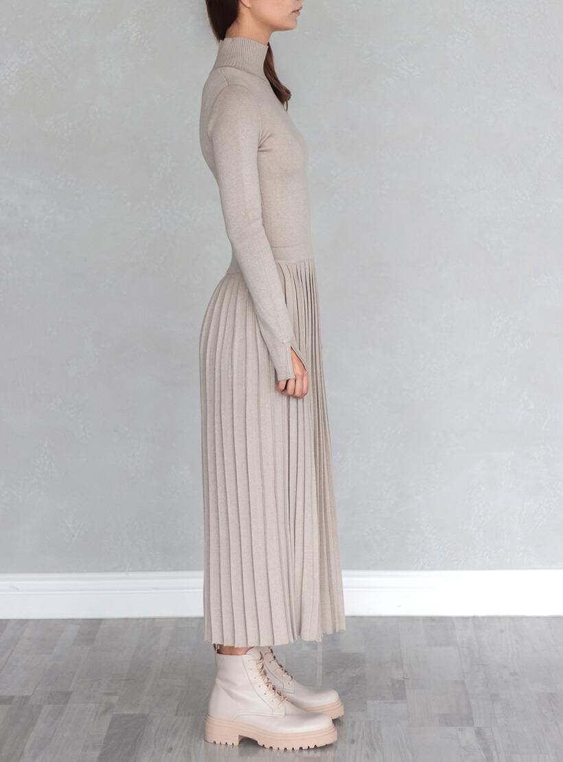 Платье плиссе c горлом стойка NBL_2010-DRPIEATBEG, фото 1 - в интернет магазине KAPSULA