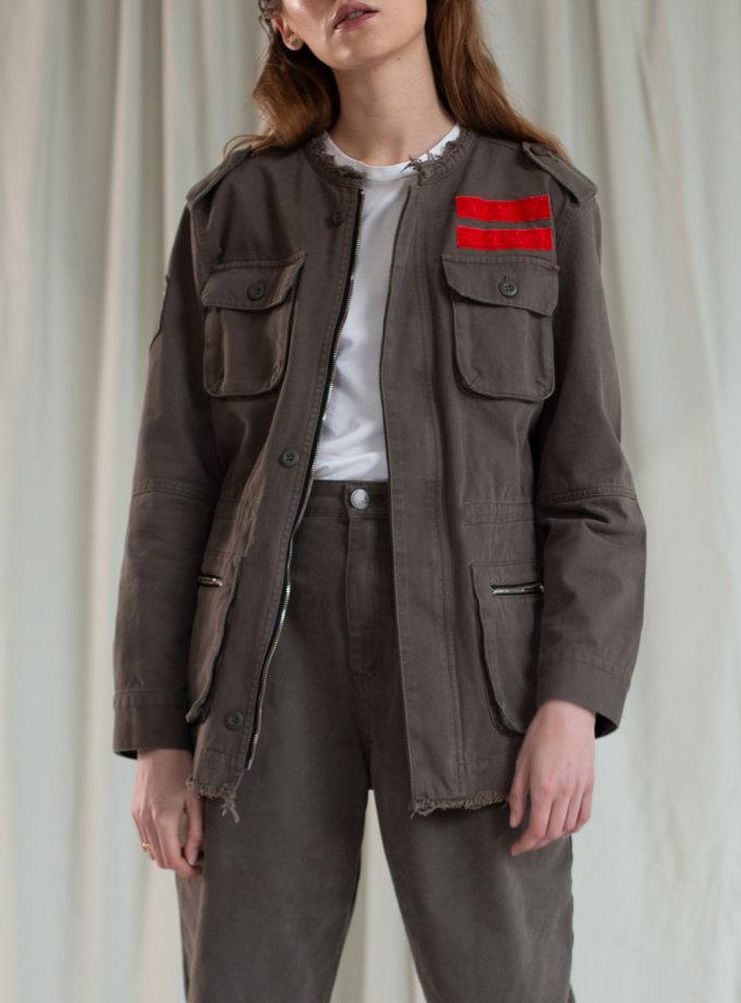 Джинсовая куртка с нашивками AIS_D104e_H, фото 1 - в интернет магазине KAPSULA