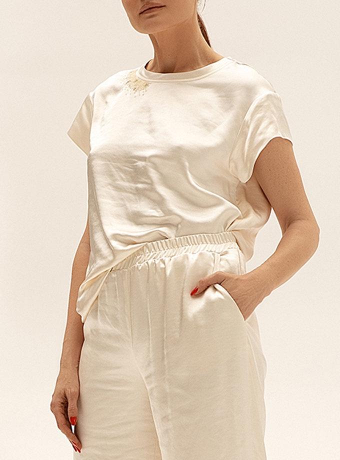 Сатиновый топ с вышивкой WNDR_ss21_sml_01, фото 1 - в интернет магазине KAPSULA
