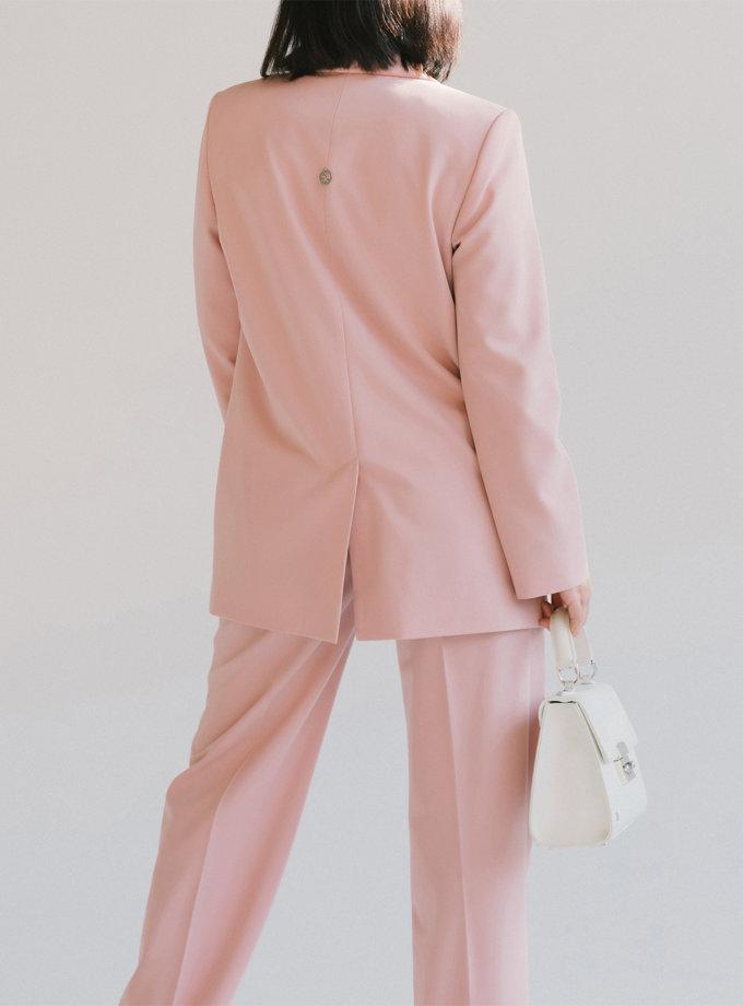 Двубортный костюм с прямыми брюками MMT_096_014а_powder, фото 1 - в интернет магазине KAPSULA