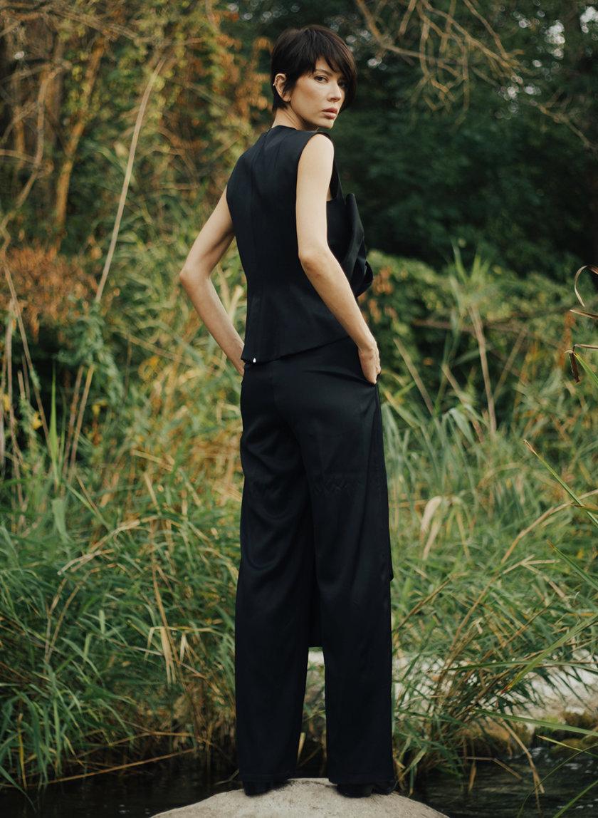 Широкие брюки со стрелками GRG_G-210344, фото 1 - в интернет магазине KAPSULA