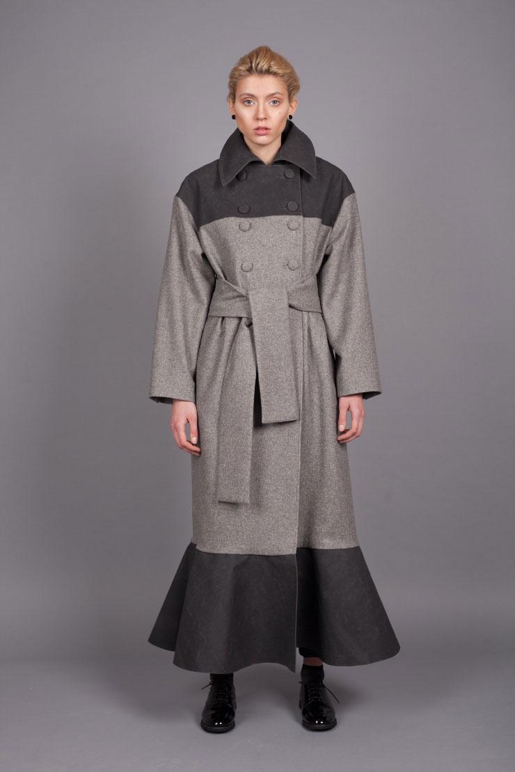 Серое шерстяное двубортное пальто